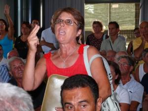Una cittadina esasperata, stamane durante l'incontro con il sindaco Merolla